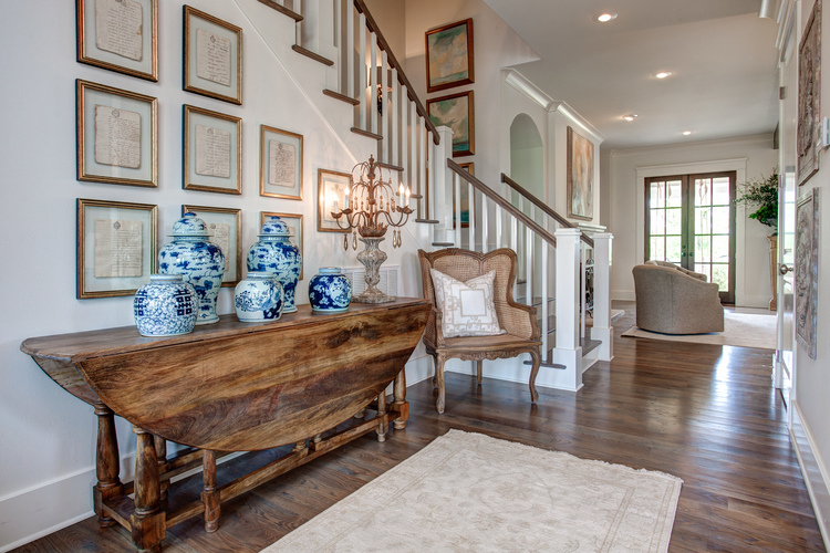 What A Welcoming Foyer. The Drop Leaf Table Is Narrow Enough To Leave Nice  Room For Guests To Enter Or Mingle, But Large Enough To Make A Statement,  ...